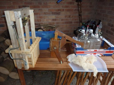 DIY Cider and Perry making equipment - build everything you need from our simple plans  @ www.jamesandtracy.co.uk