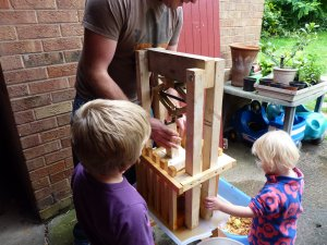DIY simple cider press - plans available from our website  @ www.jamesandtracy.co.uk