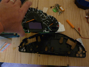 Removing the PCB from the Mercedes Instrument Cluster for Repair  @ www.jamesandtracy.co.uk